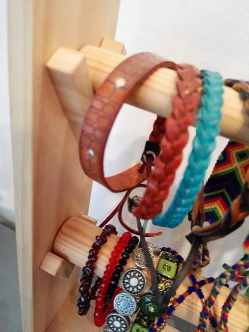 DIY Armänder Aufbewahrung aus Holz