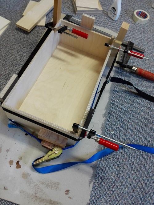 erleimen einer Schublade aus Holz
